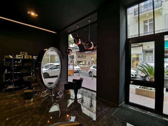 Rénovation complète d'un salon de coiffure de 100m²  à Cannes.